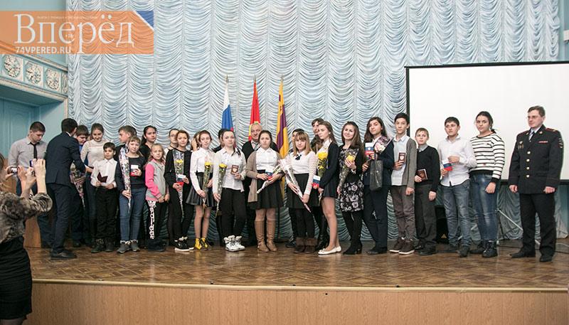ВСтавропольском крае вДень КонституцииРФ состоялось праздничное вручение паспортов